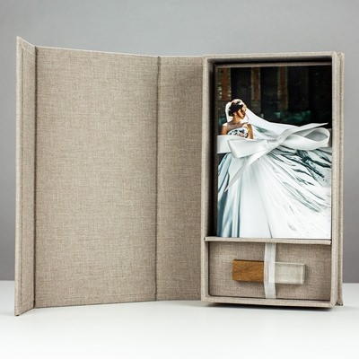 "Light Gray Infinity Photo Box with USB for 5""x7"" Photos"